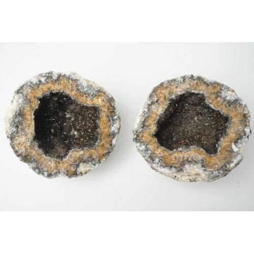 2 helften van een amethist geode / rookkwarts