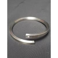 Super mooie XEN armband. Staal met Diamant. Vierkant model