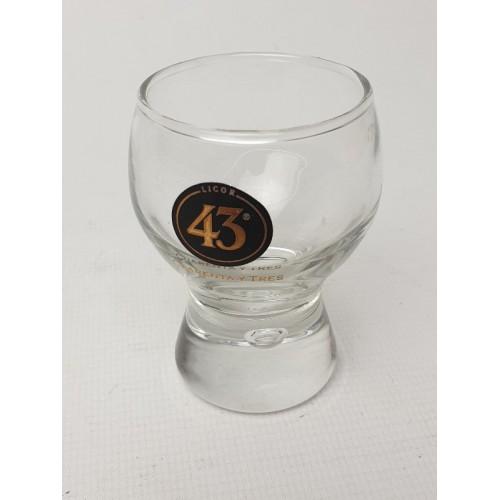 43 Cuarenta Y Tres glas 7 cm hoog.