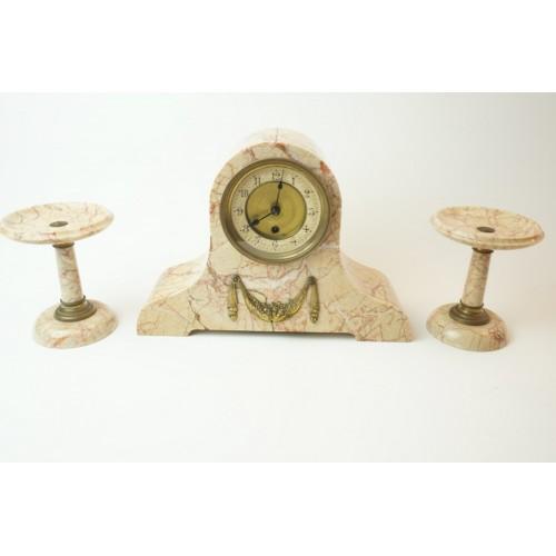 Antiek franse marmer Mantel klok met 2 kandelaars